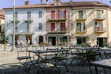 Grappolo D'oro piazza view