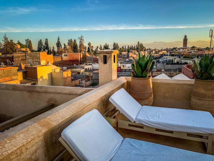 Riad 72 rooftop loungers