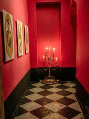 El Fenn entrance candles