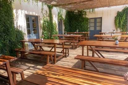 Sao Lourenco do Barrocal restaurant terrace