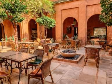 courtyard dining Kasbah Bab Ourika