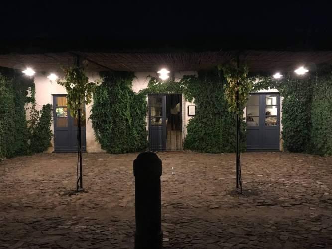 Sao Lourenco do Barrocal restaurant at night