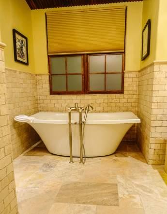 Gateway Canyons casita bathtub