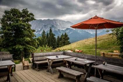 Elmauer Alm outdoor tables