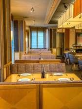 Louis Hotel Munich restaurant booths