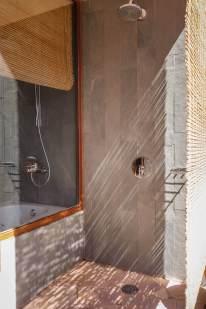 outdoor shower Tierra Atacama