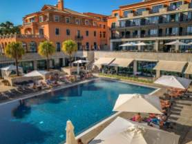 Grande Real Villa Italia suite pool view