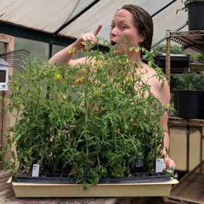 11 Things You Shouldn't Do On World Naked Gardening Day