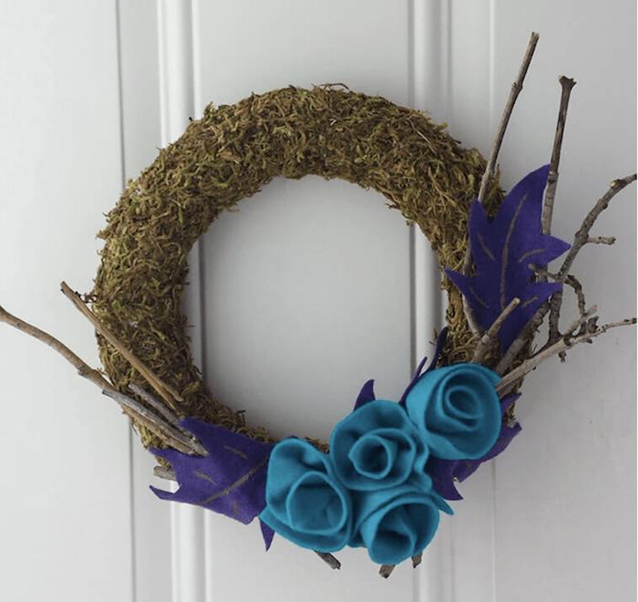 DIY Moss decor wreath idea
