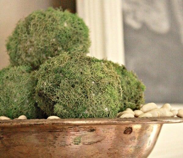 Moss Egg DIY Easter decor
