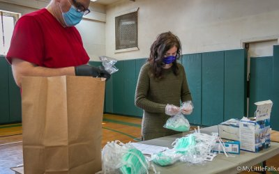Little Falls Y and Volunteer Corps team up to distribute masks