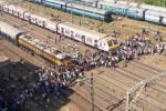 Opposition blocks railway in Mumbai