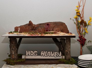A hunter's groom cake. Um, interesting to say the least, and no, I could not eat it. LOL.