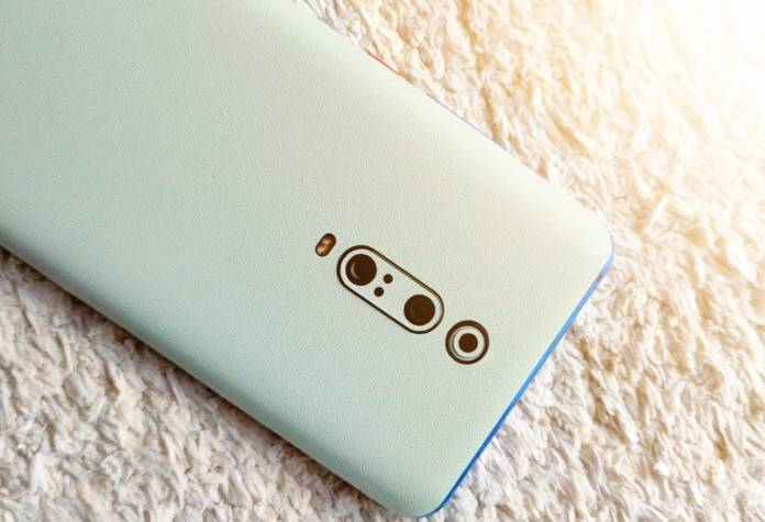 Capes India pastels skin review, best smartphone skin in India, capes india review, pastels skin review, pastel blue, pastel green, pastel grey, pastels, iphone 12 skin review