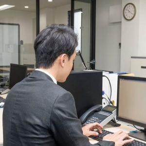 残業をした者が評価される日本の社会