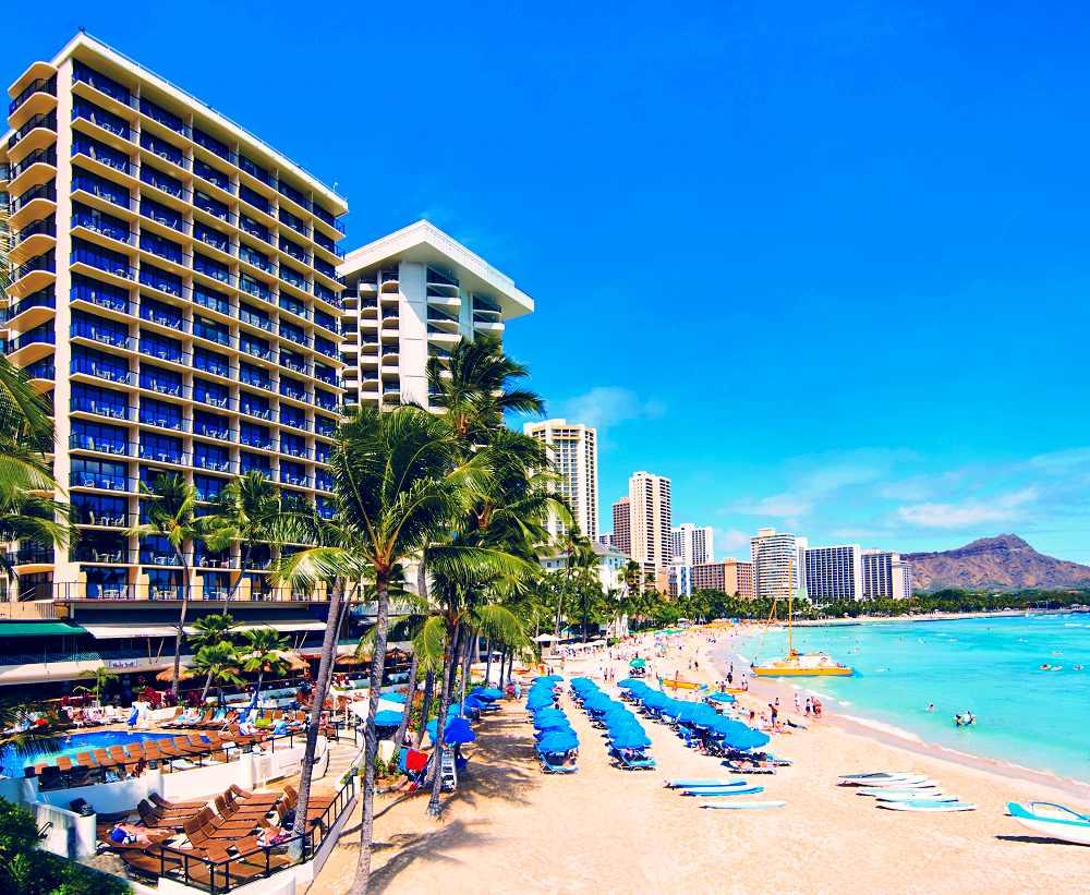 Hawaii's Outrigger Waikiki Beach Resort Offers Fivenight
