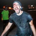 ATRAPAMOS A UN ZOMBIE EN UN SKATEPARK | Apocalipsis Zombie
