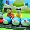 Thomas carry Doraemon's face with Nobita and Gian!Aim for the goal without dropping!for kids!yupyon