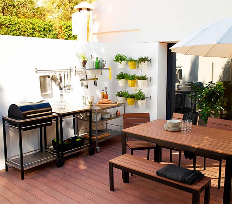 Este verano vive en tu mejor terraza o balc n - Muebles de terraza ikea ...