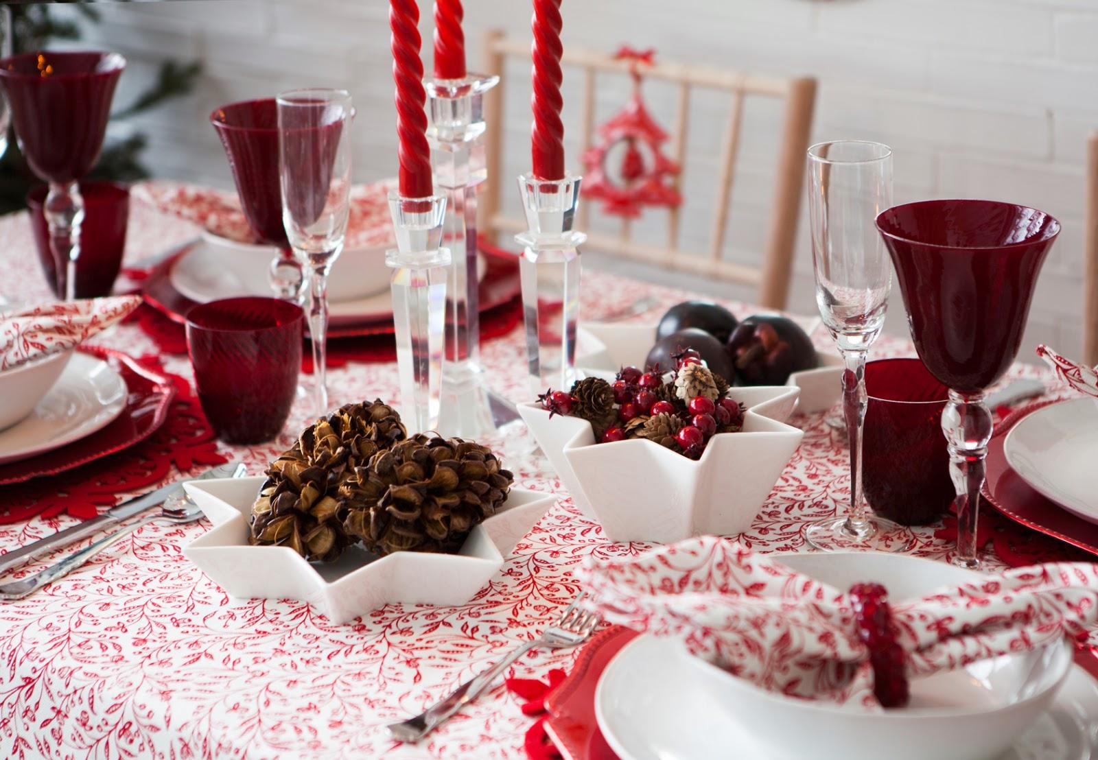 Ideas elegantes y modernas para vestir la mesa en navidad Mesas para navidad casa