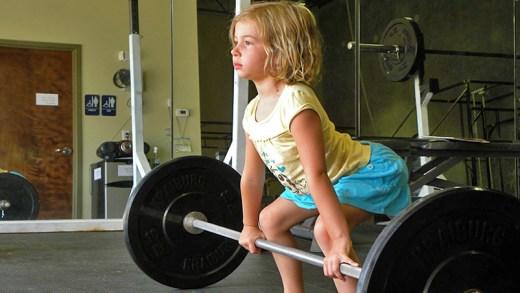 10 yaşındaki halterci kızlar