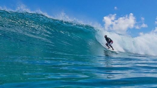Gnaraloo kıyılarında sörf
