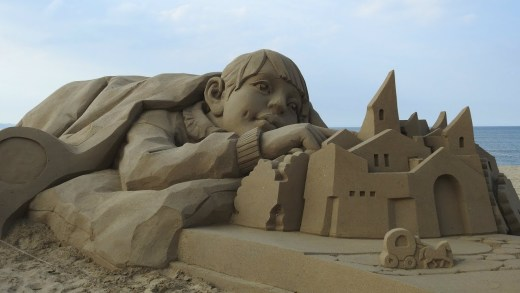 robot temalı Danimarka kumdan heykel festivali