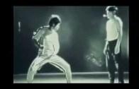 Bruce Lee'den Herkesi Hayran Bırakacak Ping Pong Maçı