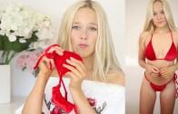 Freya'dan Çılgına Çeviren Ateşli Bikini Deneme Videosu