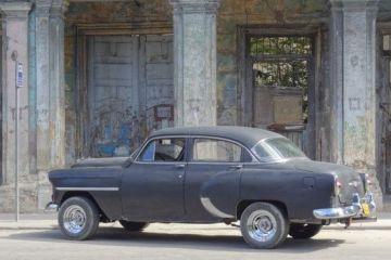 Cuba: Voiture ancienne du coté de La Havane