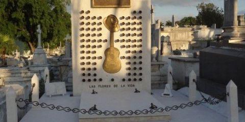 Cuba: Tombe de Compay Segundo musicien du celebre groupe Cubain: Buena Vista Social Club