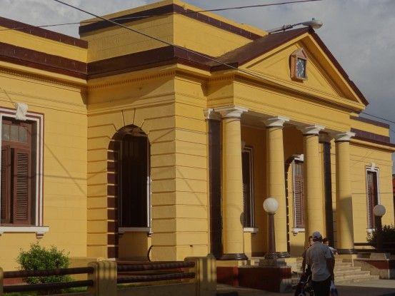 Baracoa est une très belle ville coloniale à l'Est de Cuba. Photo blog voyage tour du monde https://yoytourdumonde.fr