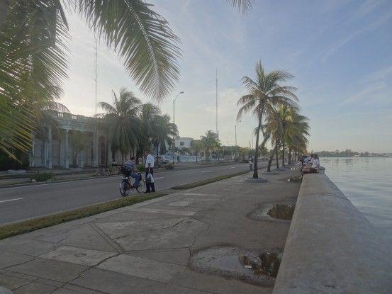 Peut-être l'une des plus belles du monde que celle de Cienfuegos à Cuba, photo blog voyage tour du monde https://yoytourdumonde.fr