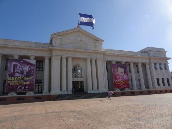 Le Palais National de Managua photo blog voyage tour du monde travel https://yoytourdumonde.fr