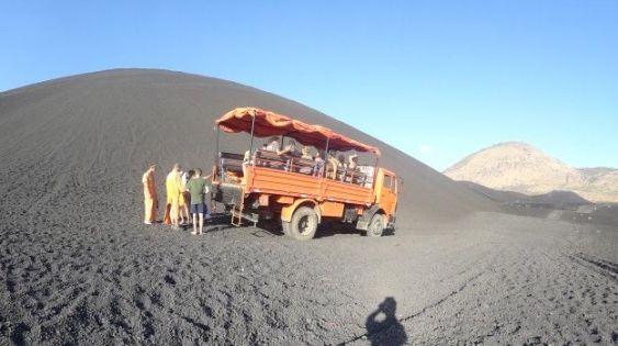 Cerro negro au Nicaragua monter en 4x4 photo blog voyage tour du monde travel https://yoytourdumonde.fr