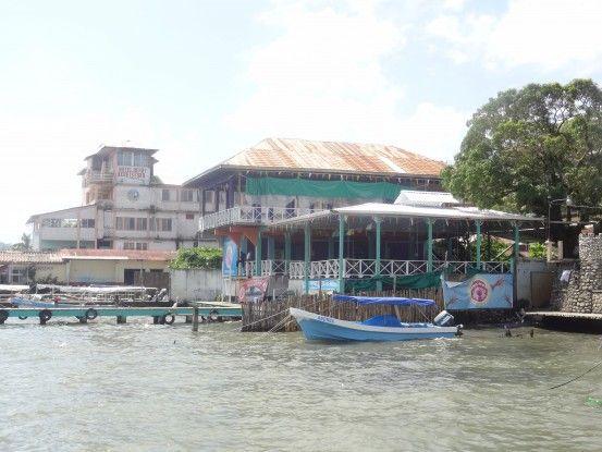 La ville de Livingston au Guatemala photo blog voyage tour du monde travel https//yoytourdumonde.fr
