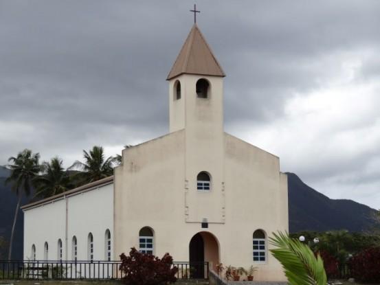 Nouvelle Caledonie: Eglise sur le chemin