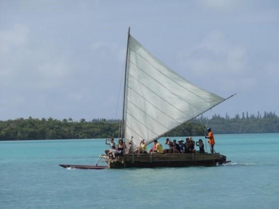 ile-pins-bateau-voile