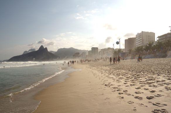 Bresil- Rio de Janeiro: Plage d'Ipanema.
