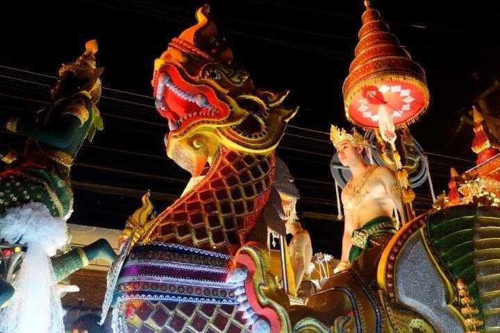 travel-voyage-chiang-mai-loy-krathong-parade