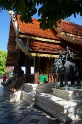 temple-bouddhiste-chiang-mai-travel-voyage-thailande