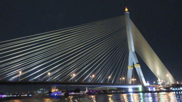 bangkok-thailand-travel-voyage-fleuve-pont-nuit