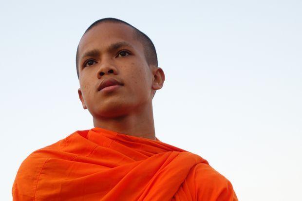 J'ai eu la chance de passẻ toute une journee avec ce moine bouddhiste dans la capitale Phnom Penh au Cambodge. Il sortait d'une semaine d'examen.