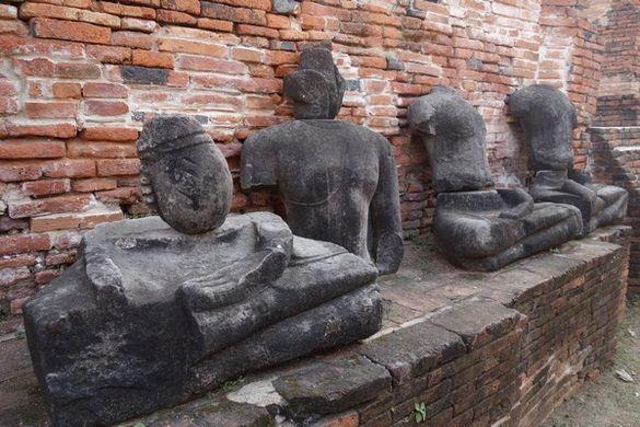 birmans-thailande-ayutthaya-unesco-bouddha-detruit