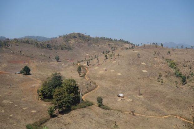 montagne et paysages magnifique du coté de Hsipaw en birmanie photo blog voyage tour du monde https://yoytourdumonde.fr