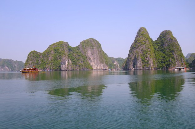 Baie d'Halong vietnam photo blog voyage tour du monde http:///yoytourdumonde.fr