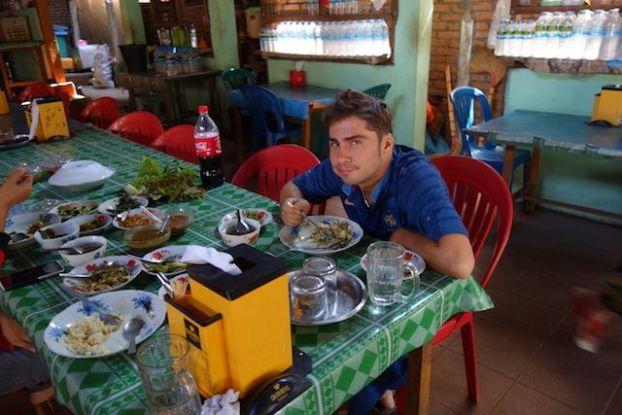 La gastronomie birmane est bien différentes des autres des pays asiatique. Ici il y a beaucoup de sauce blog voyage https://yoytourdumonde.fr