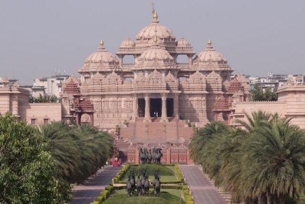 Swaminarayan Akshardham est un temple qui se trouve à New Delhi en Inde photo blog voyage tour du monde https://yoytourdumonde.fr