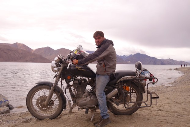 moto royal enfield photo voyage tour du monde https://yoytourdumonde.fr