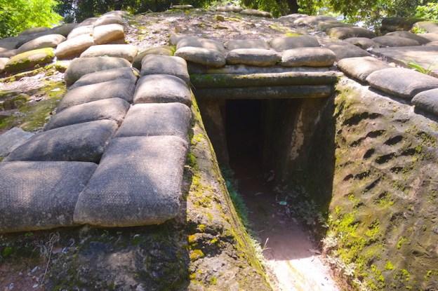 Bunker français à Dien Bien Phu photo blog voyage tour du monde https://yoytourdumonde.fr